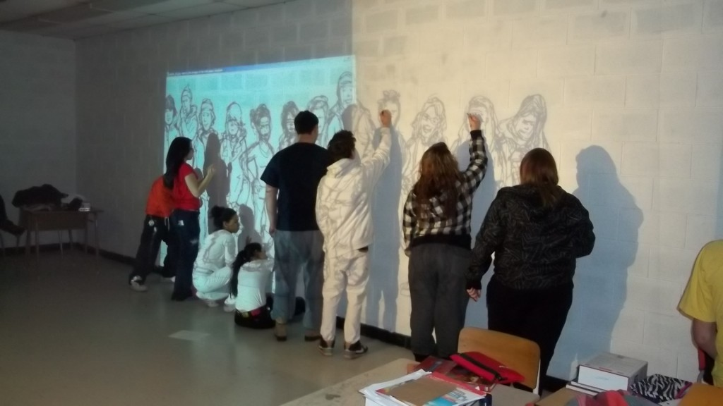 Traçage de la murale à partir de la projection de l'illustration